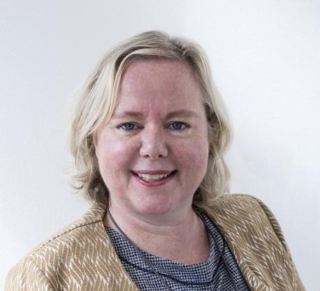 Ingeborg te Loo waarderende gemeenteopbouw